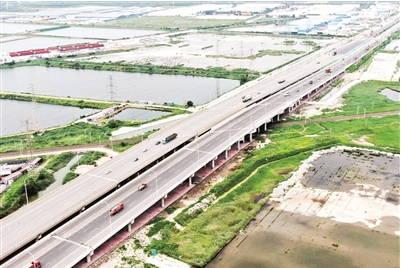 港城大道北环铁路桥段已实现通车